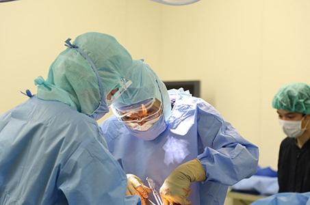 年間約1200件の整形外科手術実績